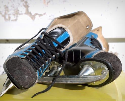 skates-ice-hockey-old-ddr-skid