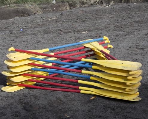 do kayak paddles float